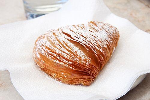 Sfogliatella Napolitana Te enseñamos a cocinar recetas fáciles cómo la receta de Sfogliatella Napolitana y muchas otras recetas de cocina.