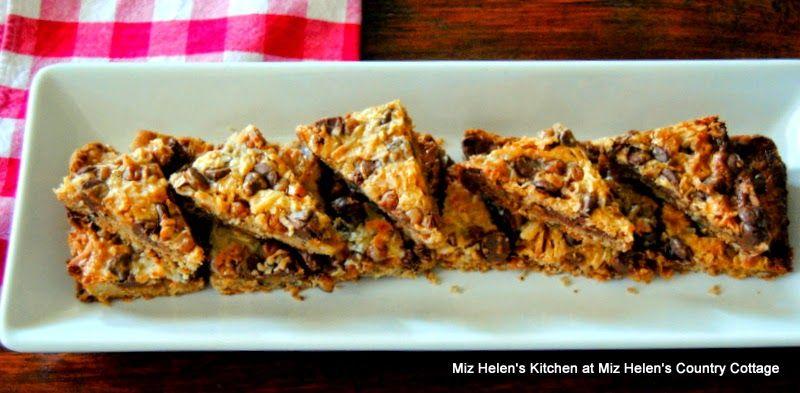 Miz Helen's Country Cottage: Caramel Chocolate Pecan Bars