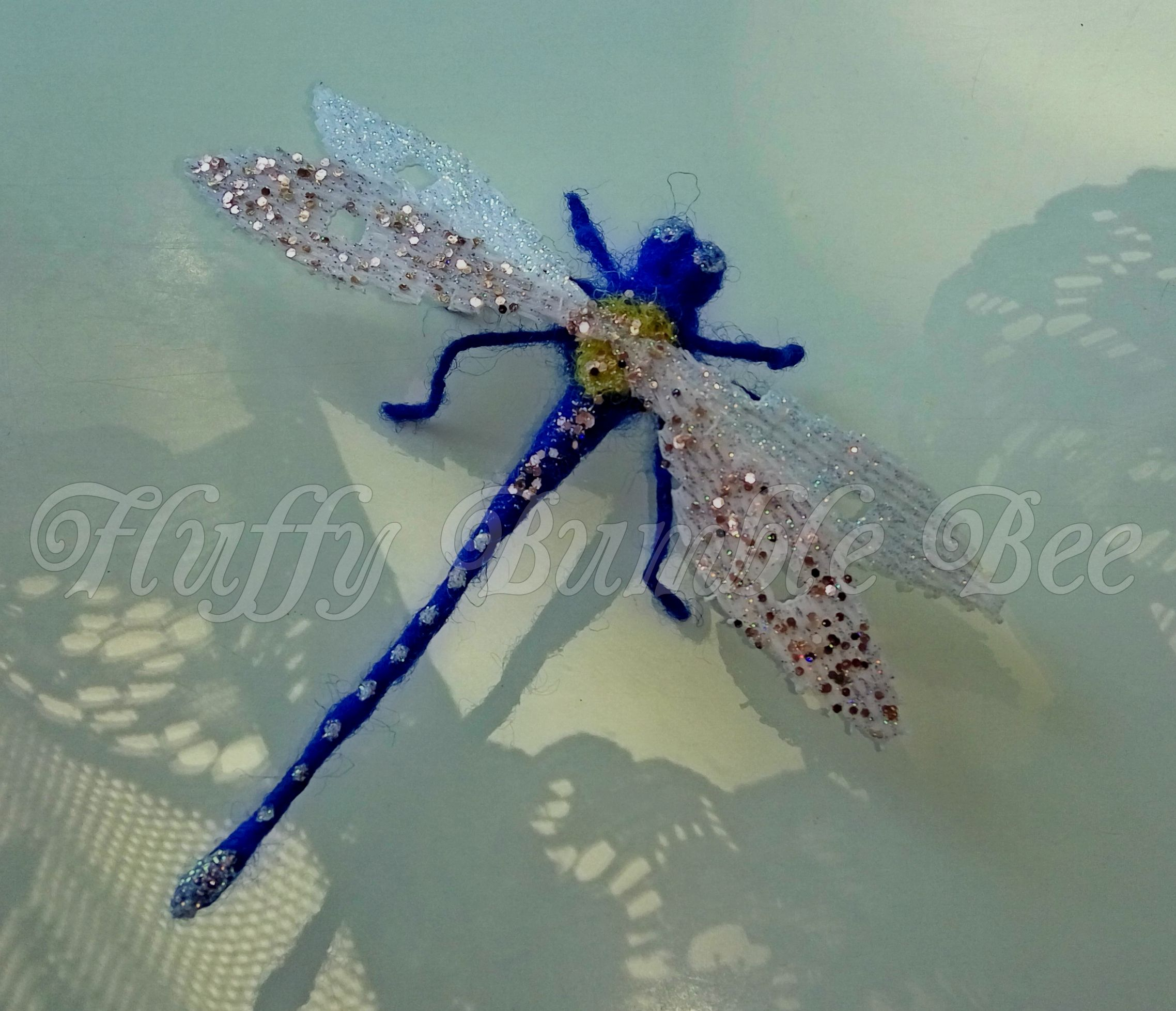 The #Dragonfly with poseable legs (wire) with very sparkly wings ...