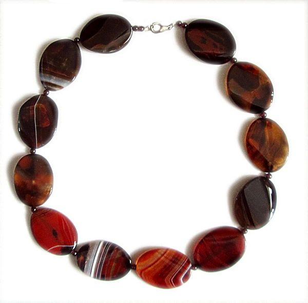 Beautiful Carnelian Necklace with a length of 56 cm (22 inches)