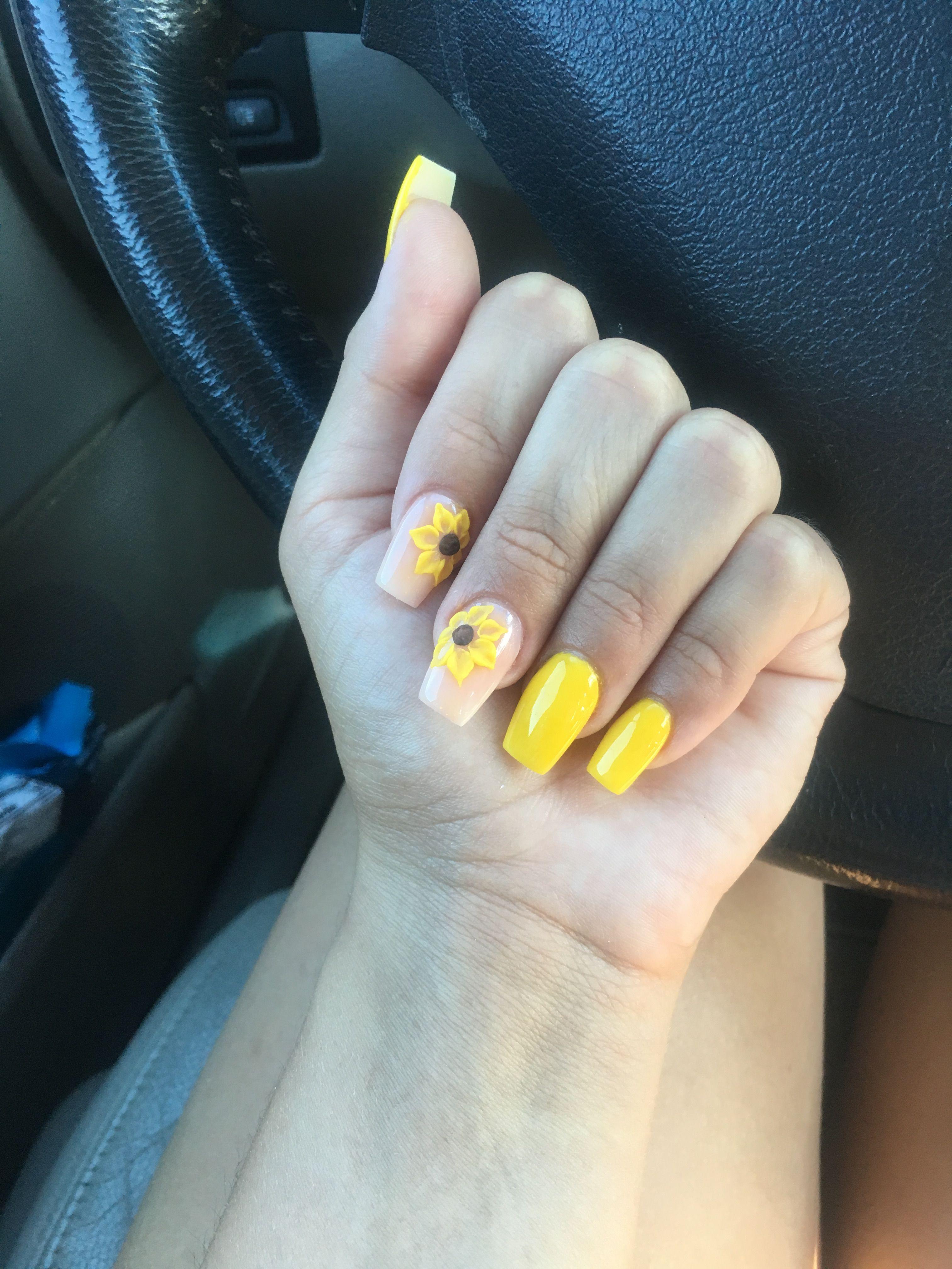 Yellow Coffinshape Acrylic Snapchat Paris Thegreat Yellow Nails Coffin Shape Nails Glam Nails