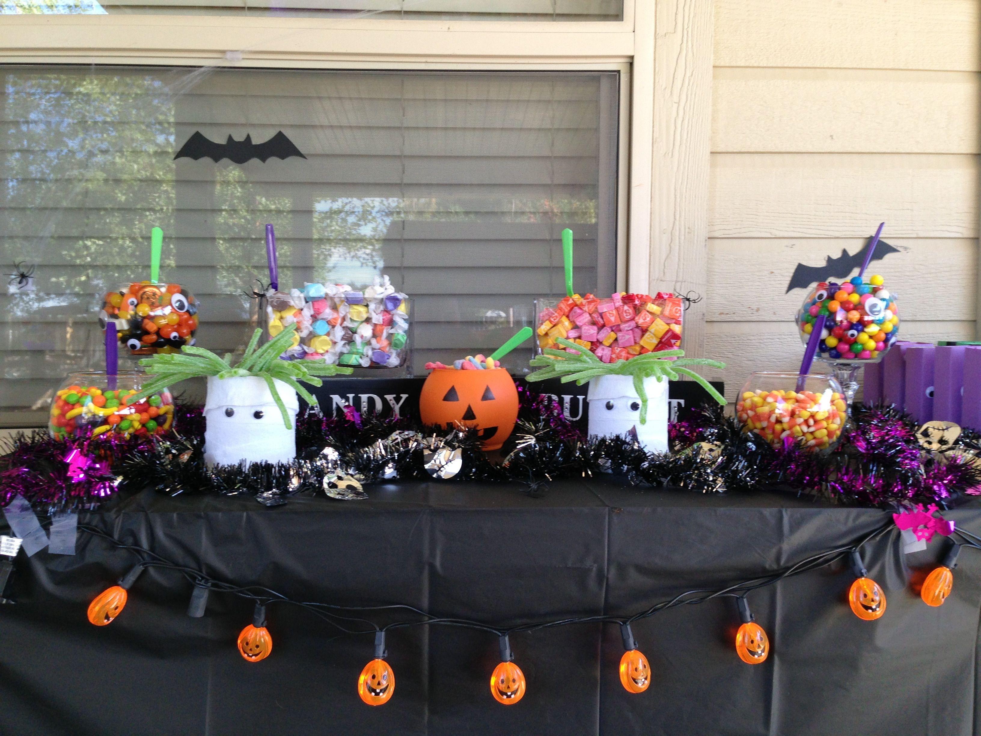 Halloween candy buffet idea - Halloween Party Candy Buffet