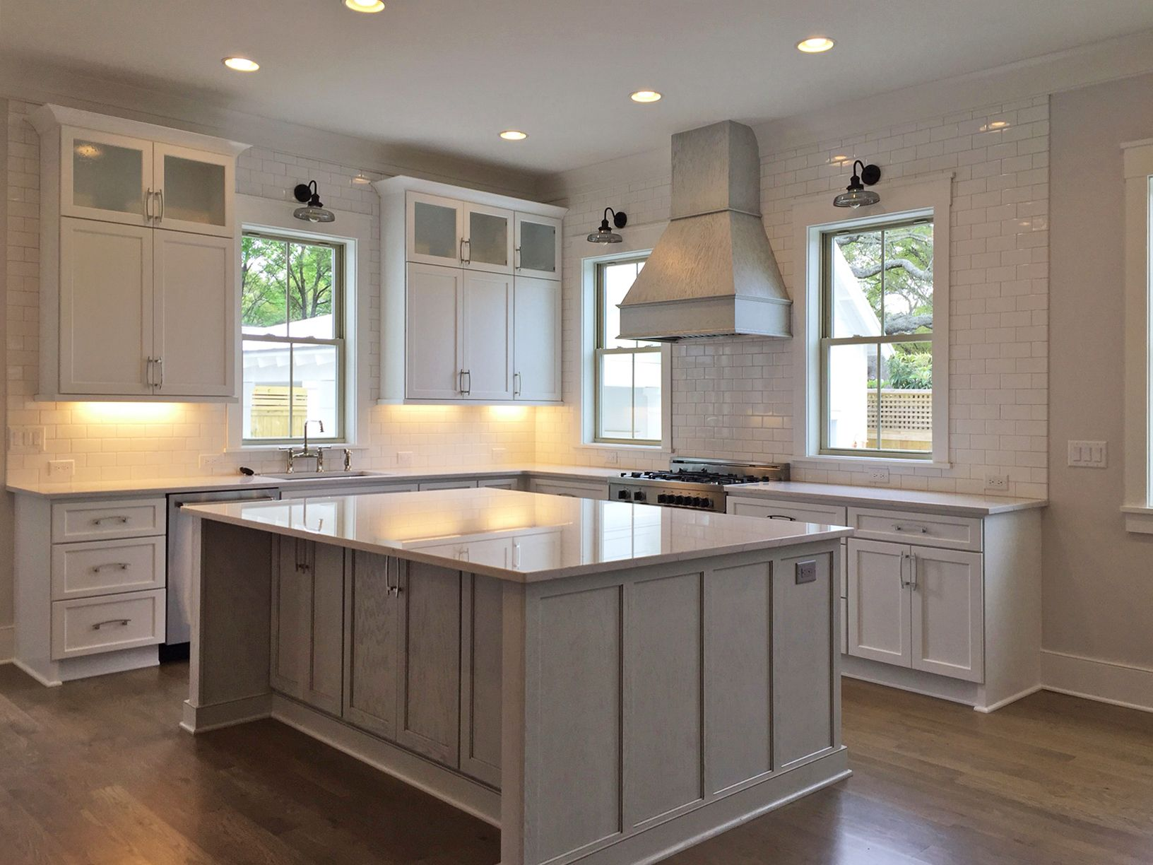 Best A Kitchen In Charleston South Carolina Was Designed With 640 x 480