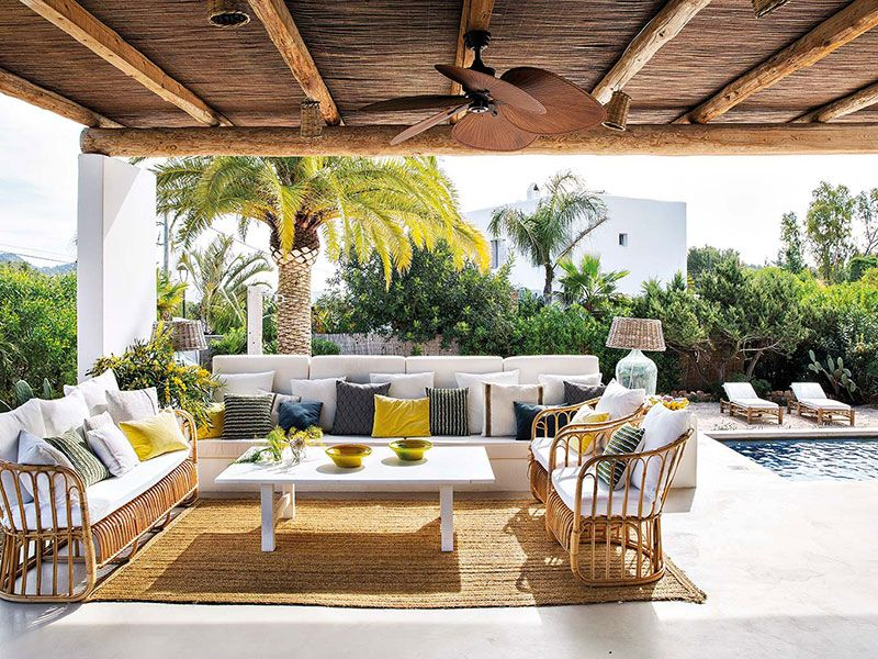 How designers relax: snow-white villa in Ibiza | Hvit