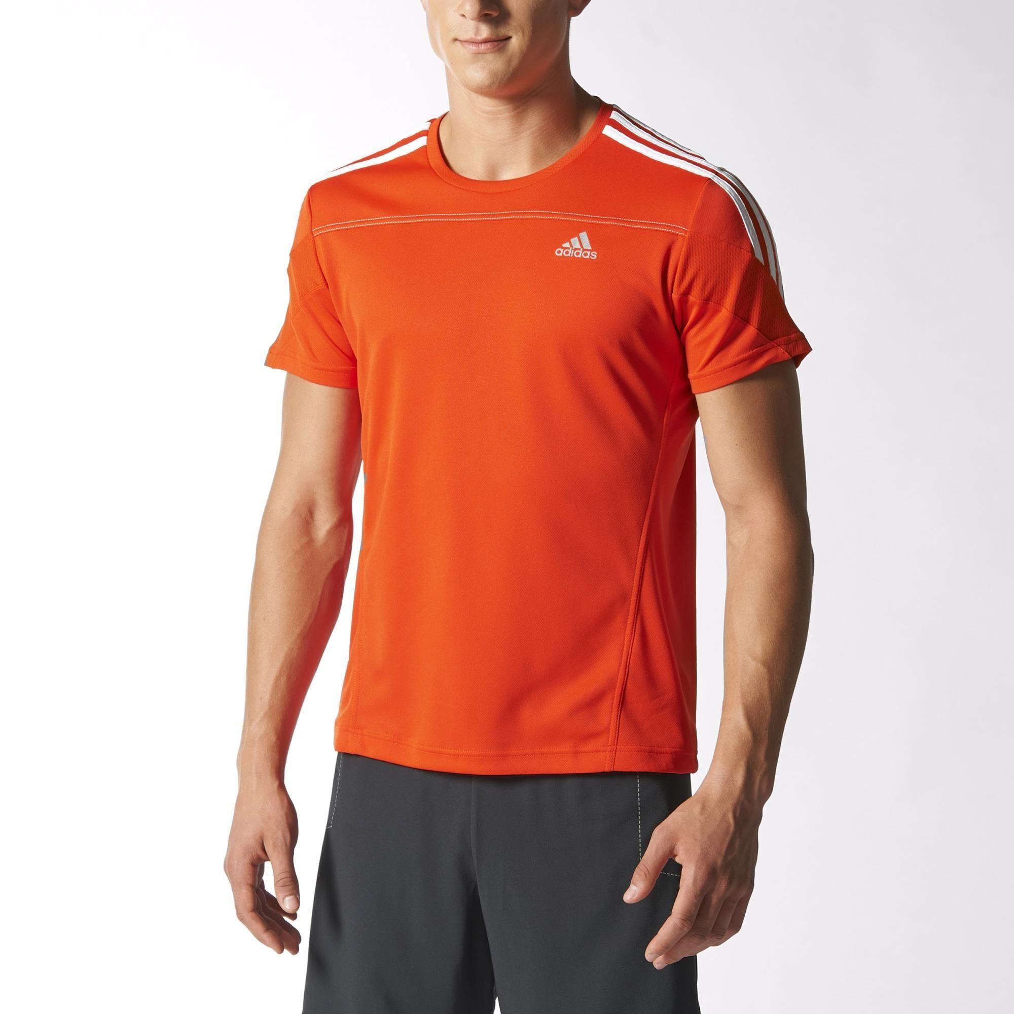 Responde a la llamada de la competición con esta camiseta adidas Response.  Esta camiseta de 359256430442c