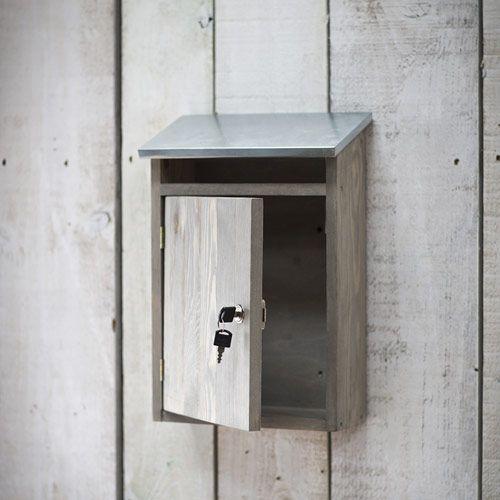 bo te aux lettres en bois d 39 pic a et couvercle en zinc bal pinterest lettres en bois. Black Bedroom Furniture Sets. Home Design Ideas