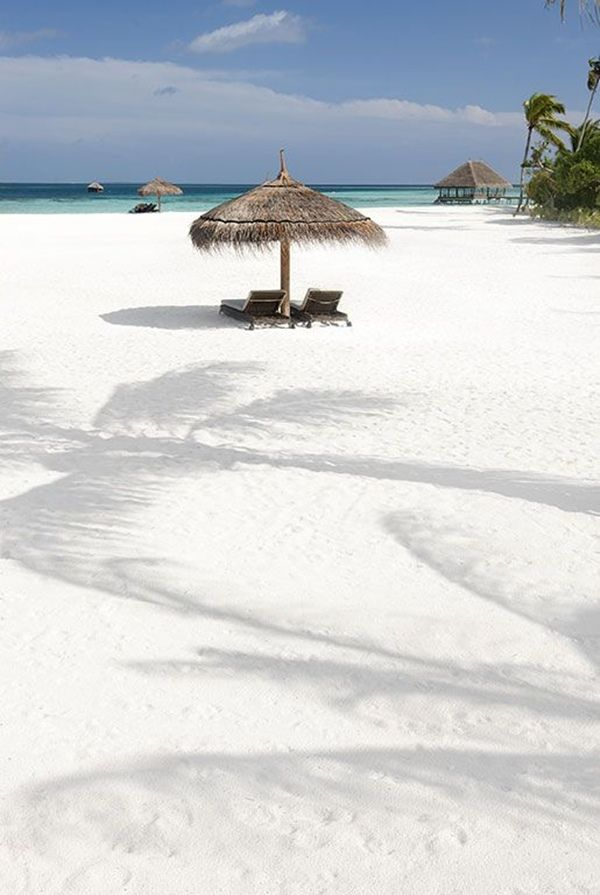 Desacelere no moofushi resort maldives beautiful for White sand beach vacations