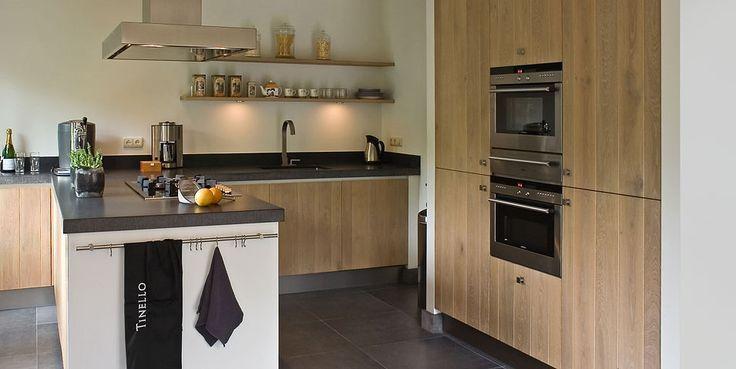Modern landelijke keuken combineert gezelligheid met eigentijdse