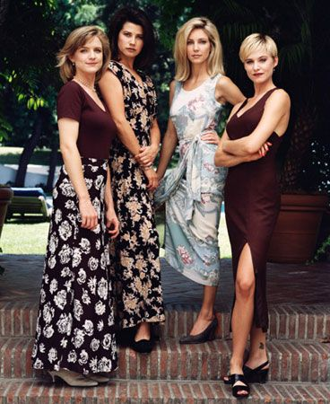 Typical 90's style on Melrose Place - I loved Josie Bissett's hair!