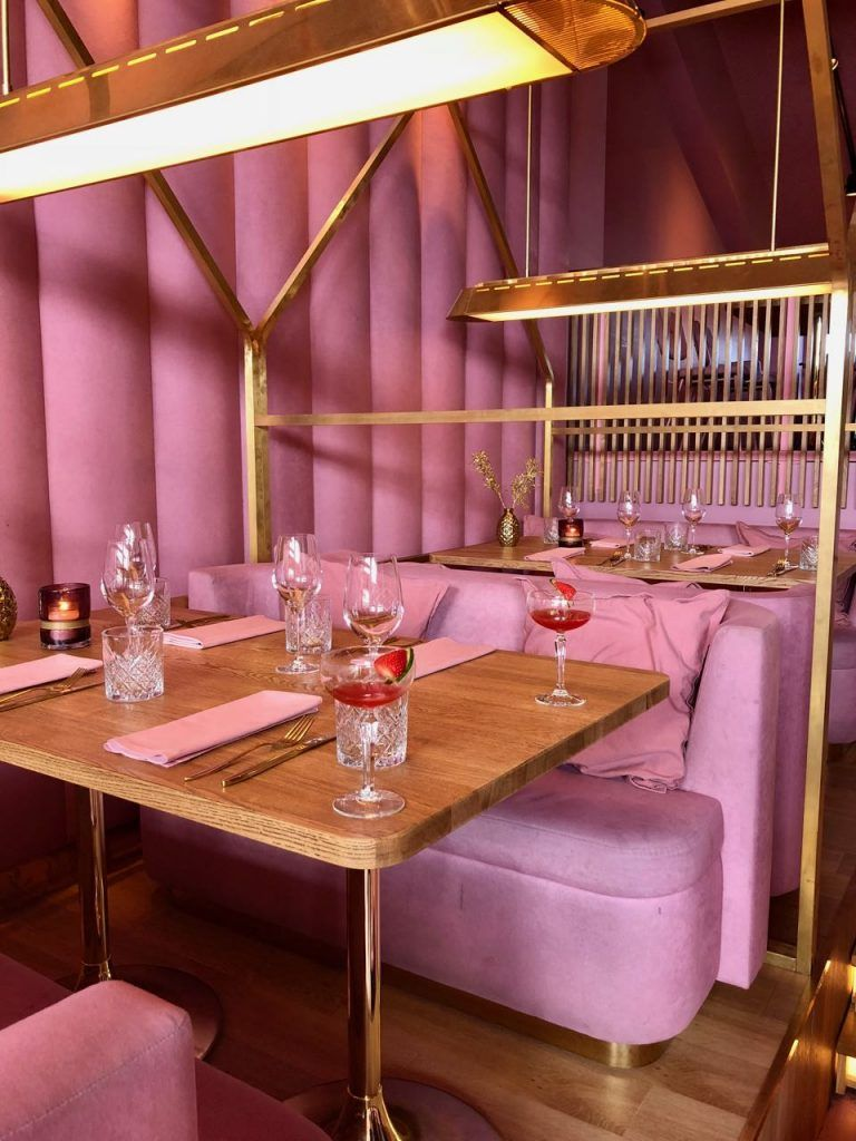 Pink Galore Mama Kelly Amsterdam Barefoot Wijn My Happy Kitchen Lifestyle Cafe Interieur Restaurantontwerp Cafe Interieurs