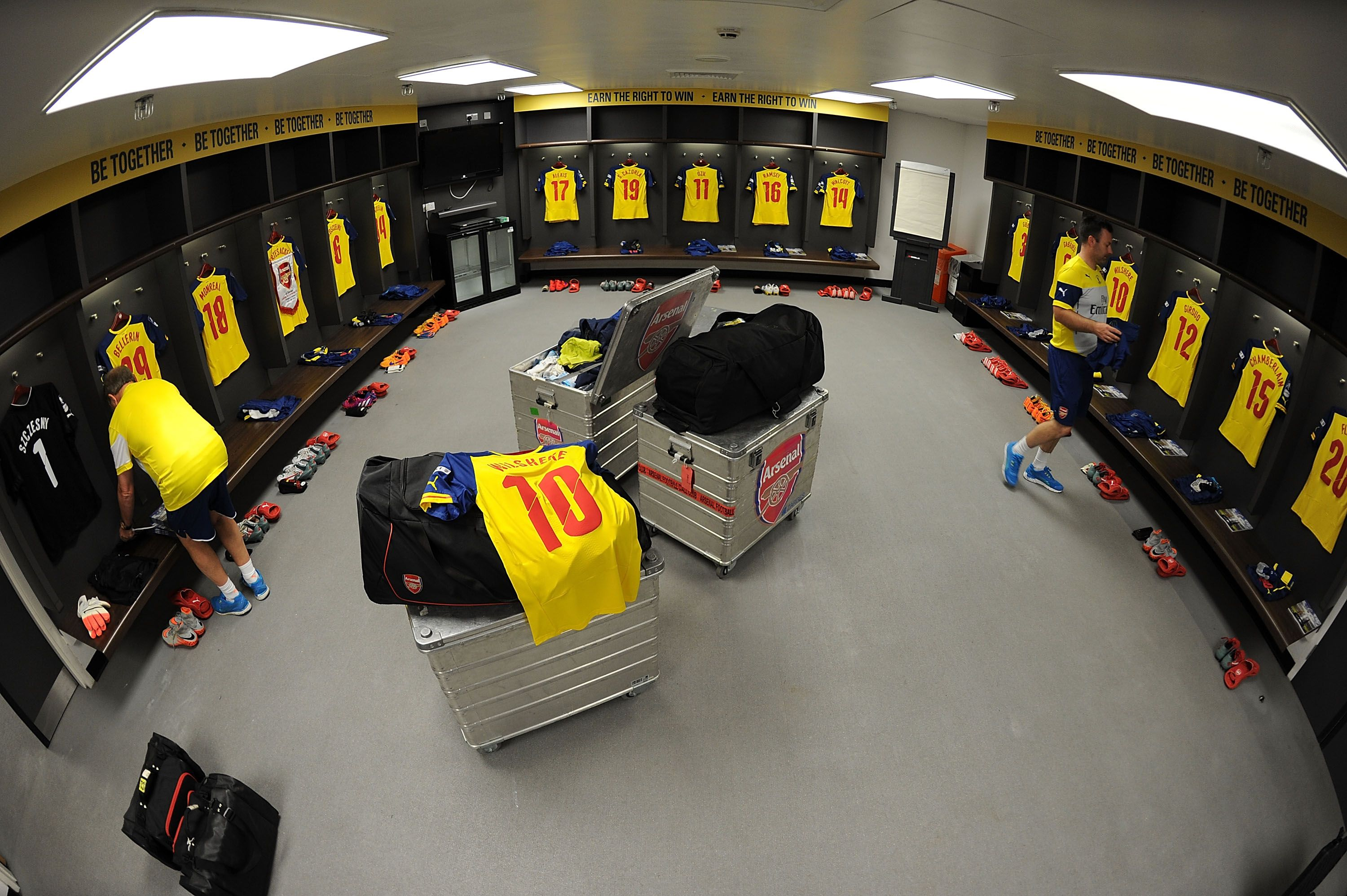 30th May 2015 Arsenal Changing Room Before The Match At Wembley Stadium Soccer Locker Locker Room European Soccer