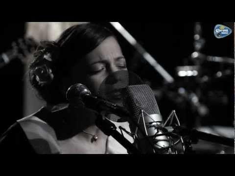 Natalia Lafourcade - Imposible (Sesión acústica para Corona Music) - YouTube