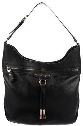 Black grained leather Salvatore Ferragamo shoulder bag with gold-tone  hardware d72a2c8d44c19