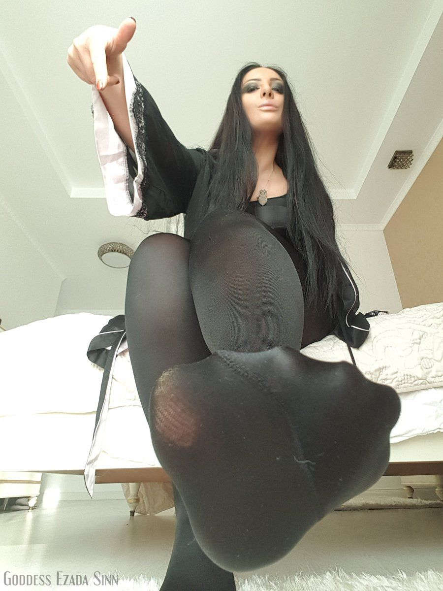 rhinna pussy