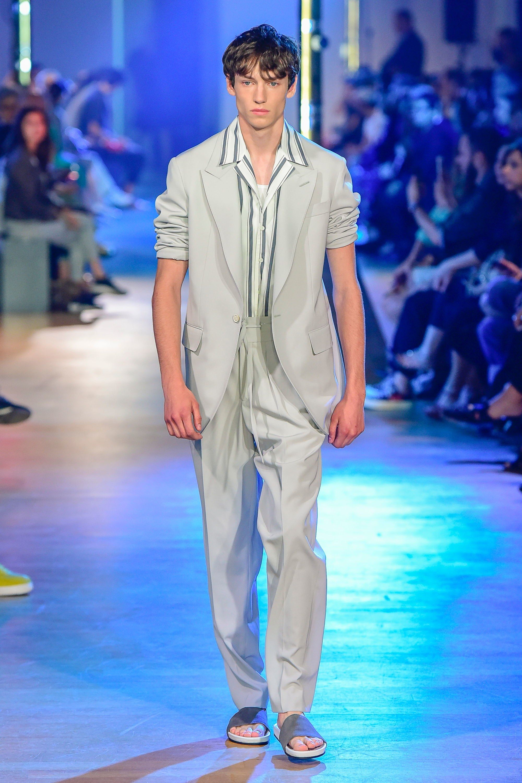 3d3ec519310 Cerruti 1881 Spring 2019 Menswear Fashion Show   Fave Runway Looks ...