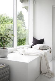 sitzbank am fenster bett f r mascha pinterest. Black Bedroom Furniture Sets. Home Design Ideas