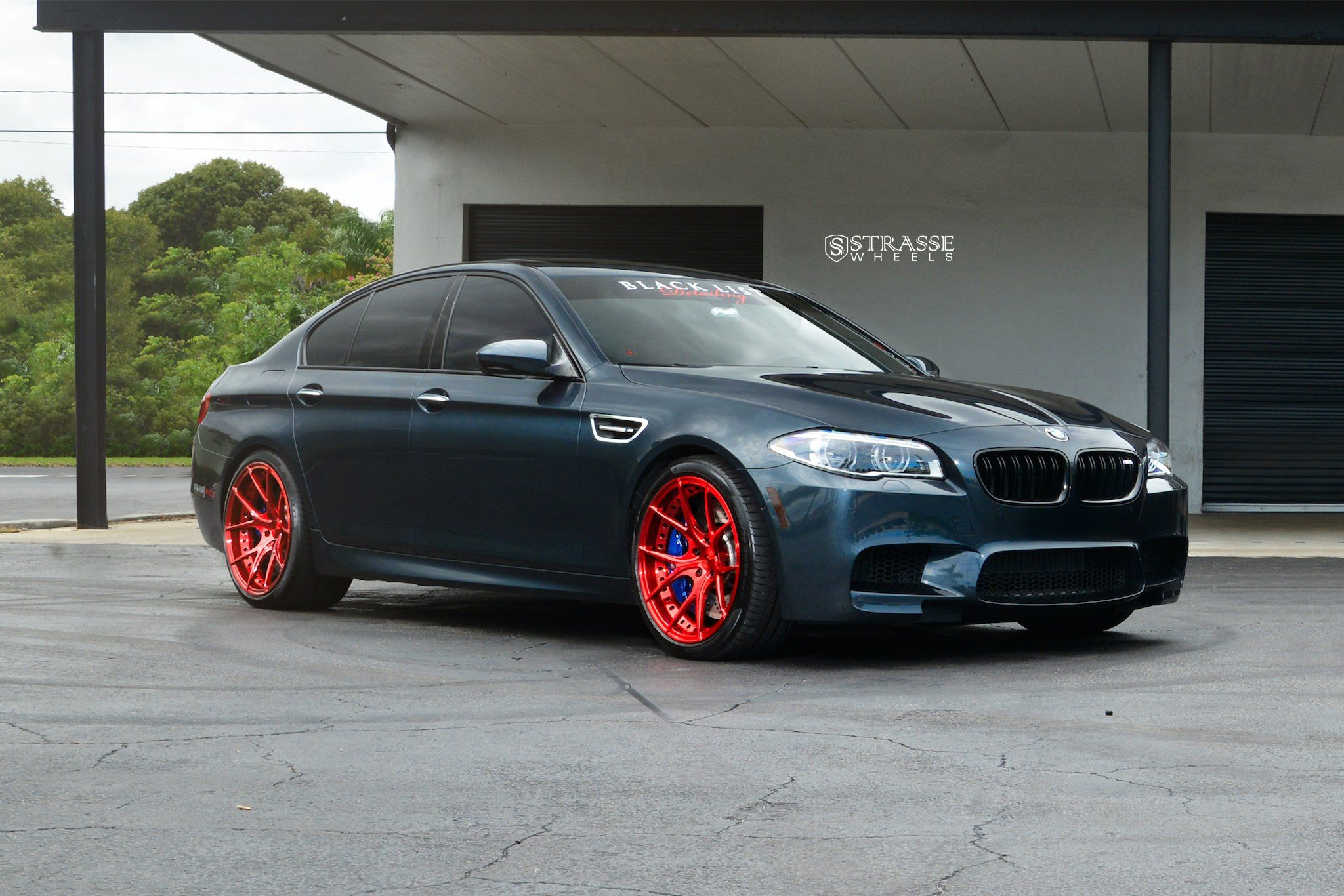 For Show Dark Blue Bmw 5 Series Put On Candy Red Wheels Bmw 5