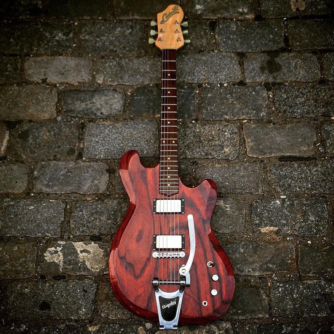 Pin On Guitar 1