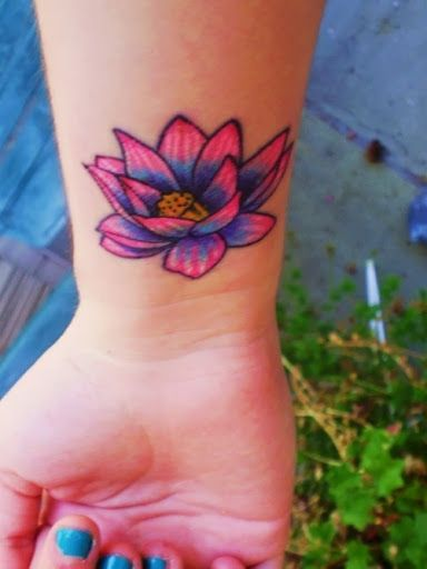 50 Cute Small Wrist Tattoos For Girls | How to Tattoo?