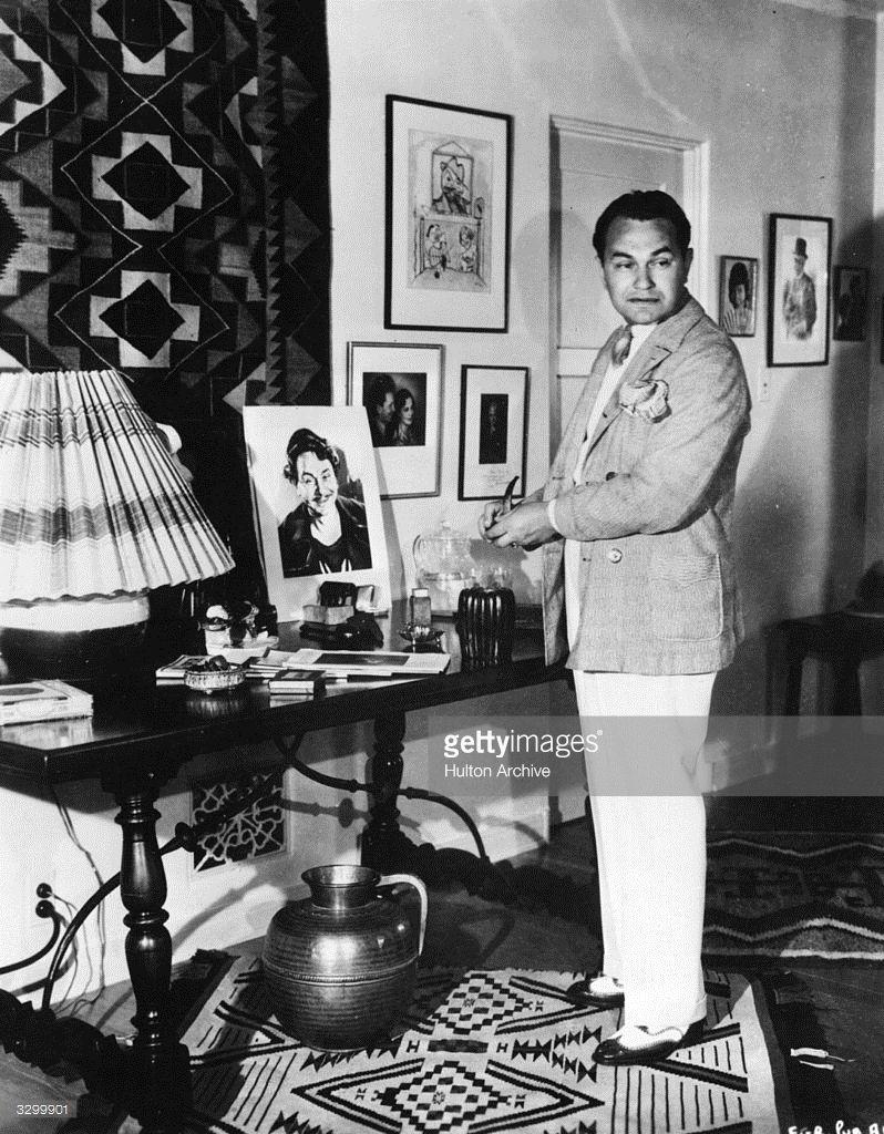 Edward G Robinson (born Emanuel Goldenberg, 1893 - 1973) in his Beverly Hills home, circa 1935.