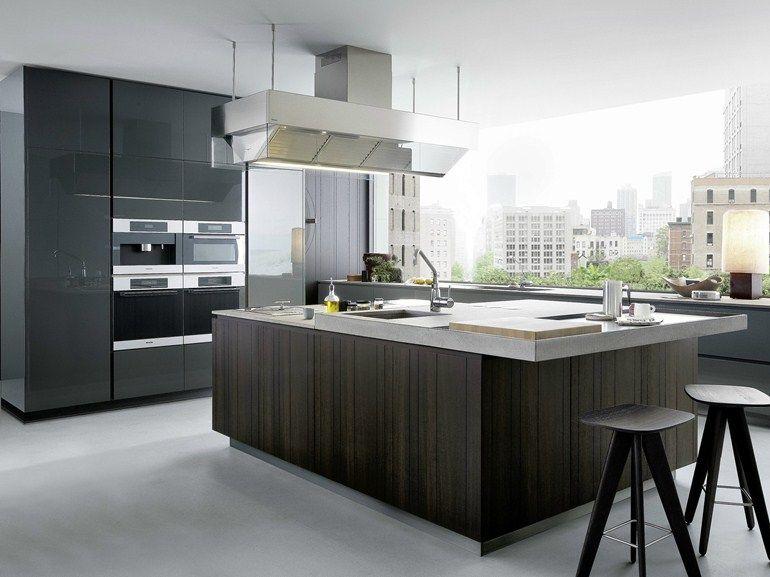 Cozinha lacada de madeira com ilha ARTEX by Varenna by Poliform ...