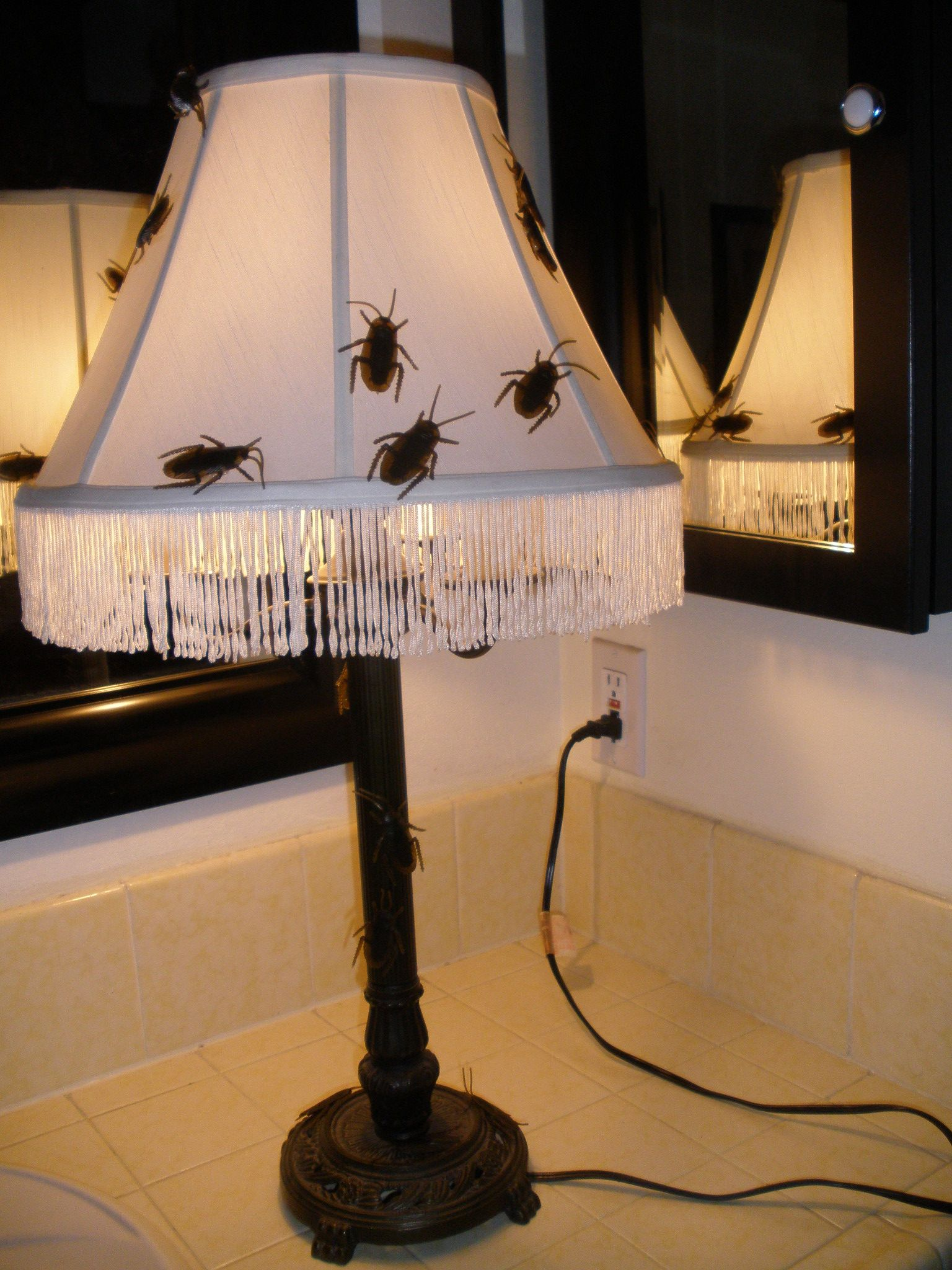 New haunting decor lamp for 2014 Halloween $5 thrift store lamp - Diy Indoor Halloween Decorations