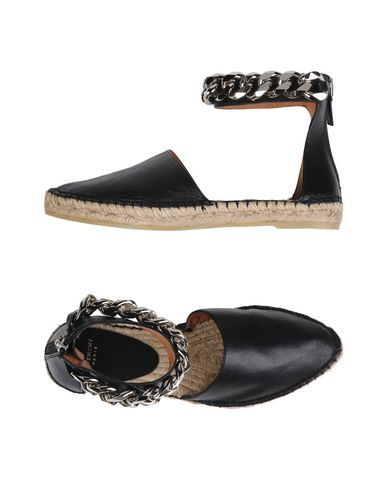 GIVENCHY Espadrilles. #givenchy #shoes #에스파드류