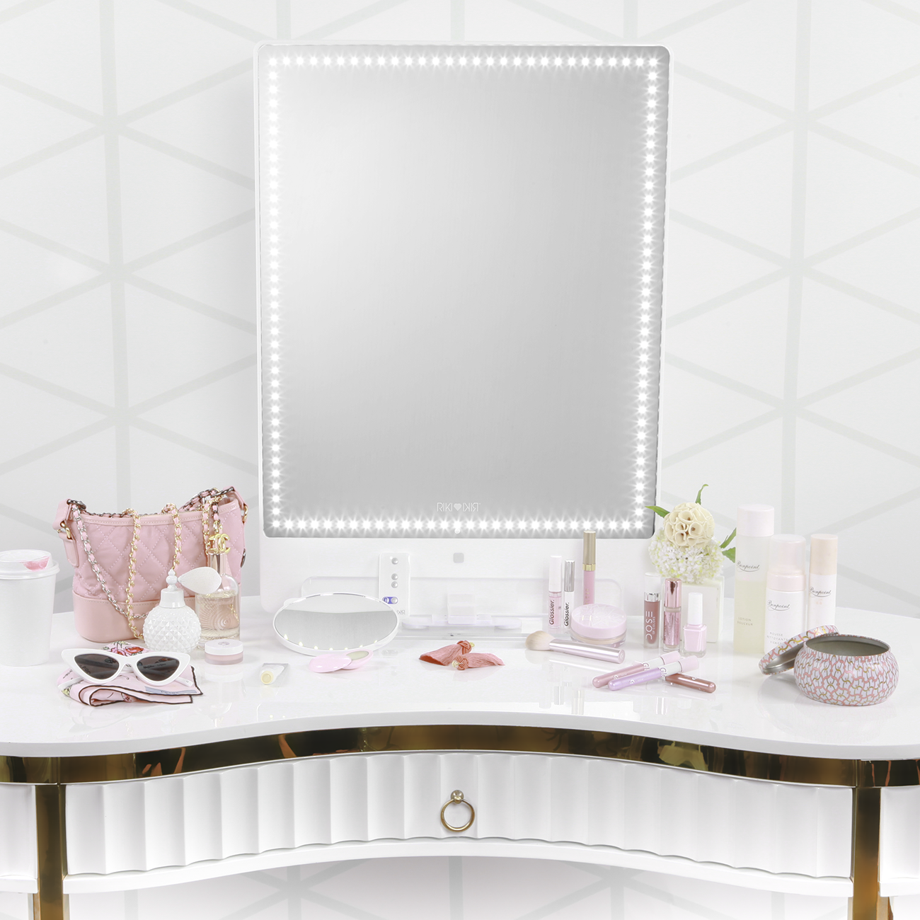VANITY GOALS! This vanity setup with the RIKI lighted