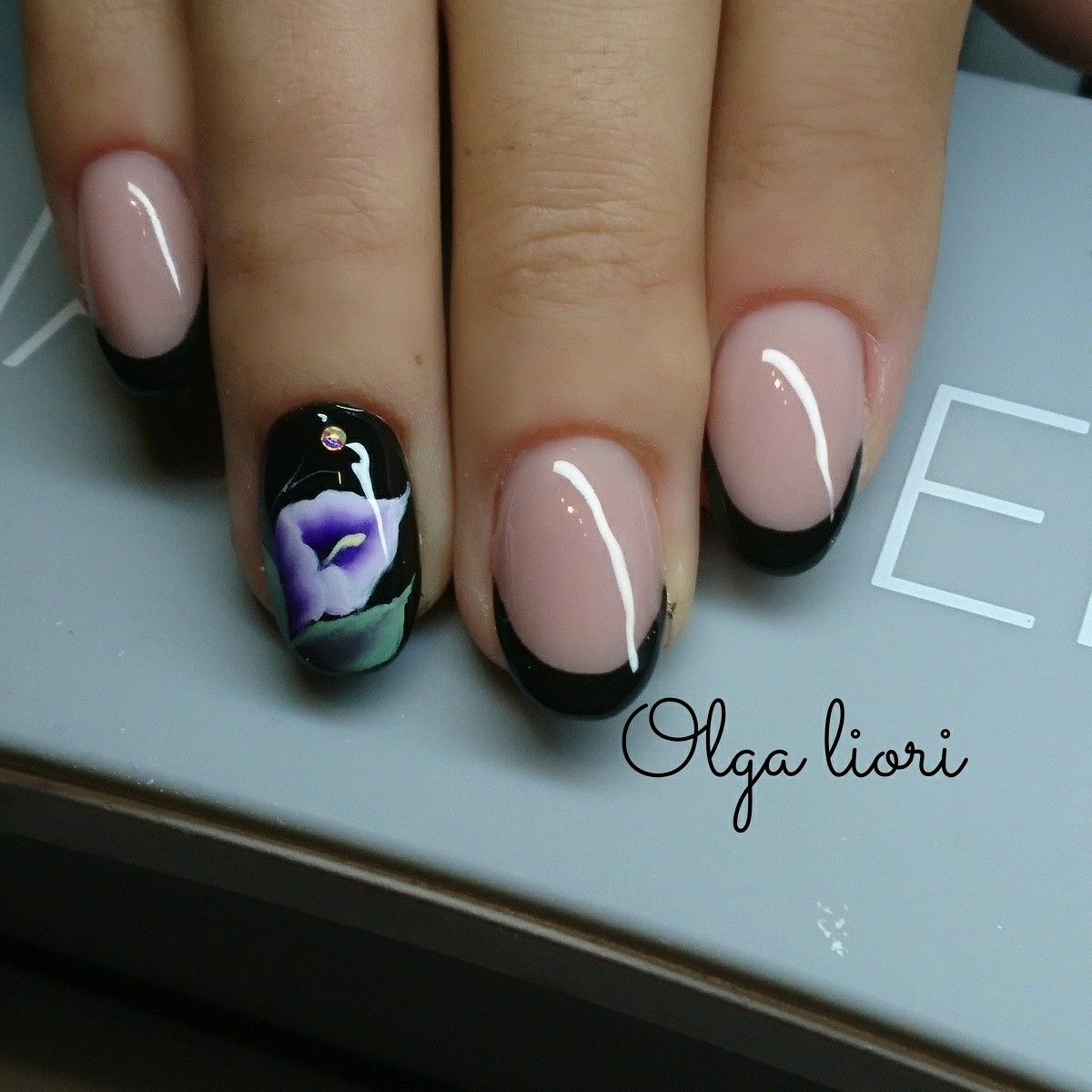 Black nails french flower   olga liori naillover   Pinterest   Nail ...