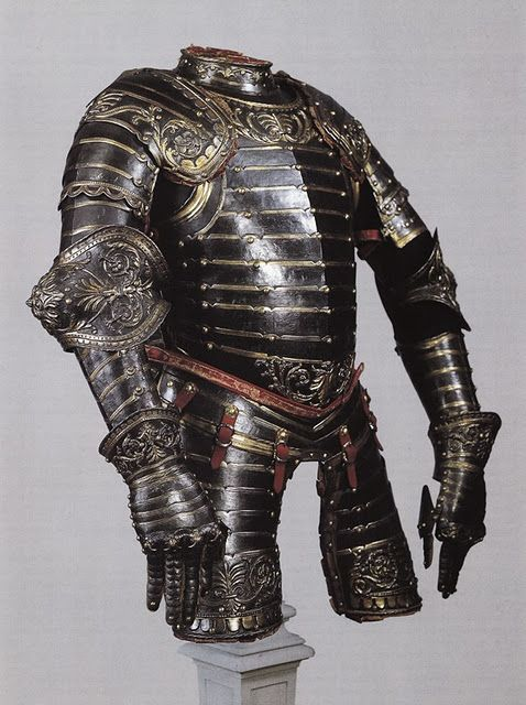 Beautiful gold lined black plate armor