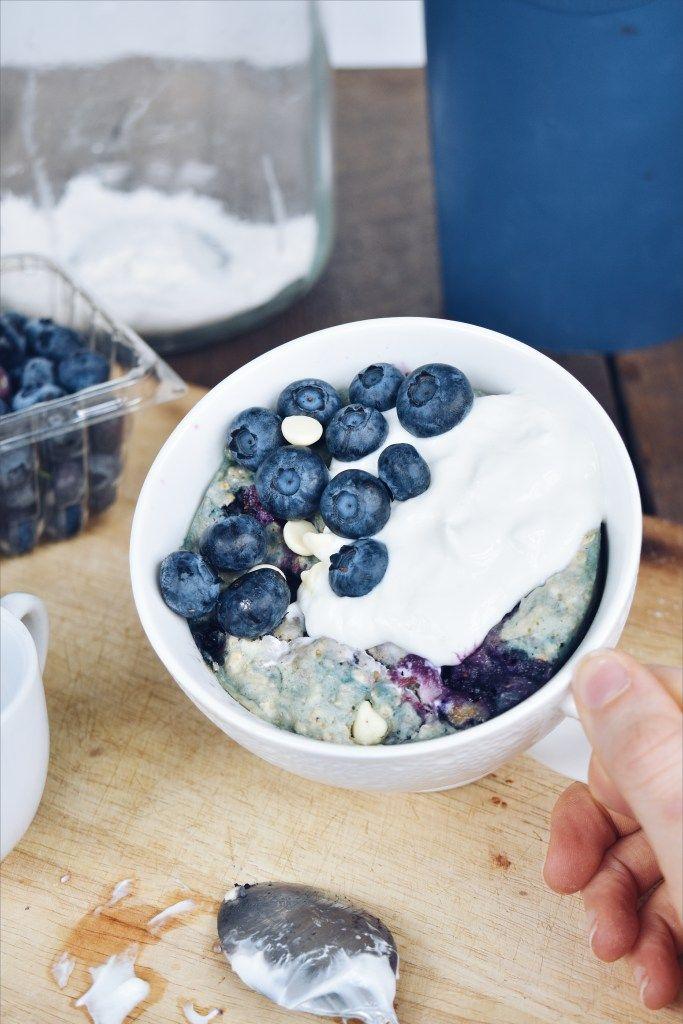 Mug Cake Déjeuner Bleuets et chocolat blanc | Recette ...