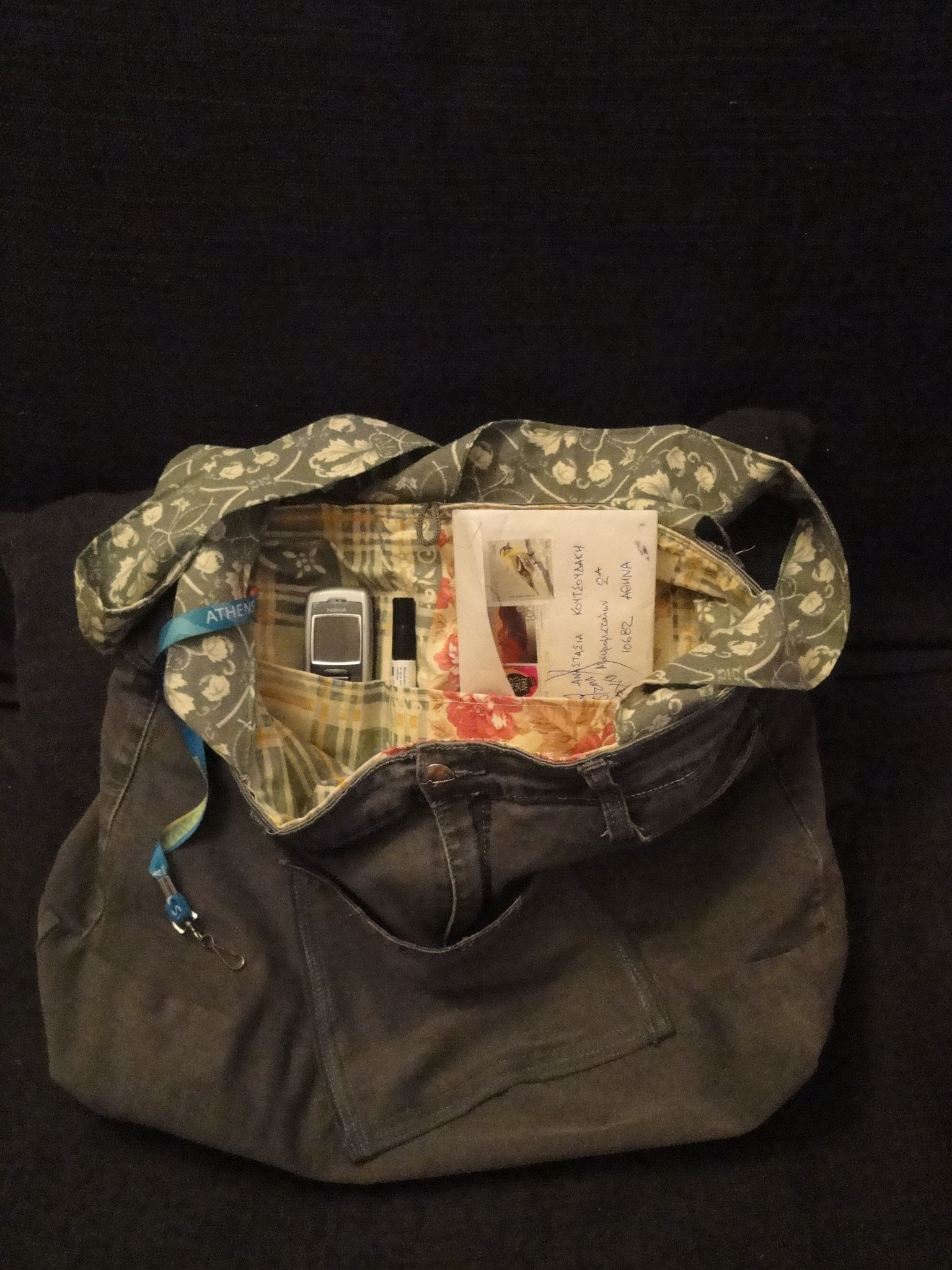 Handmade bag made from an upcicled old jean