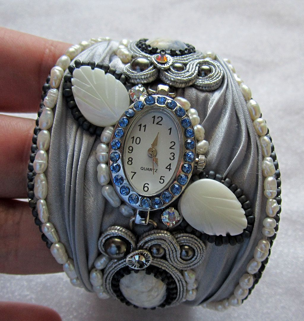 Bracelet with ribbon Shibori and moonstone by intalasa on Etsy