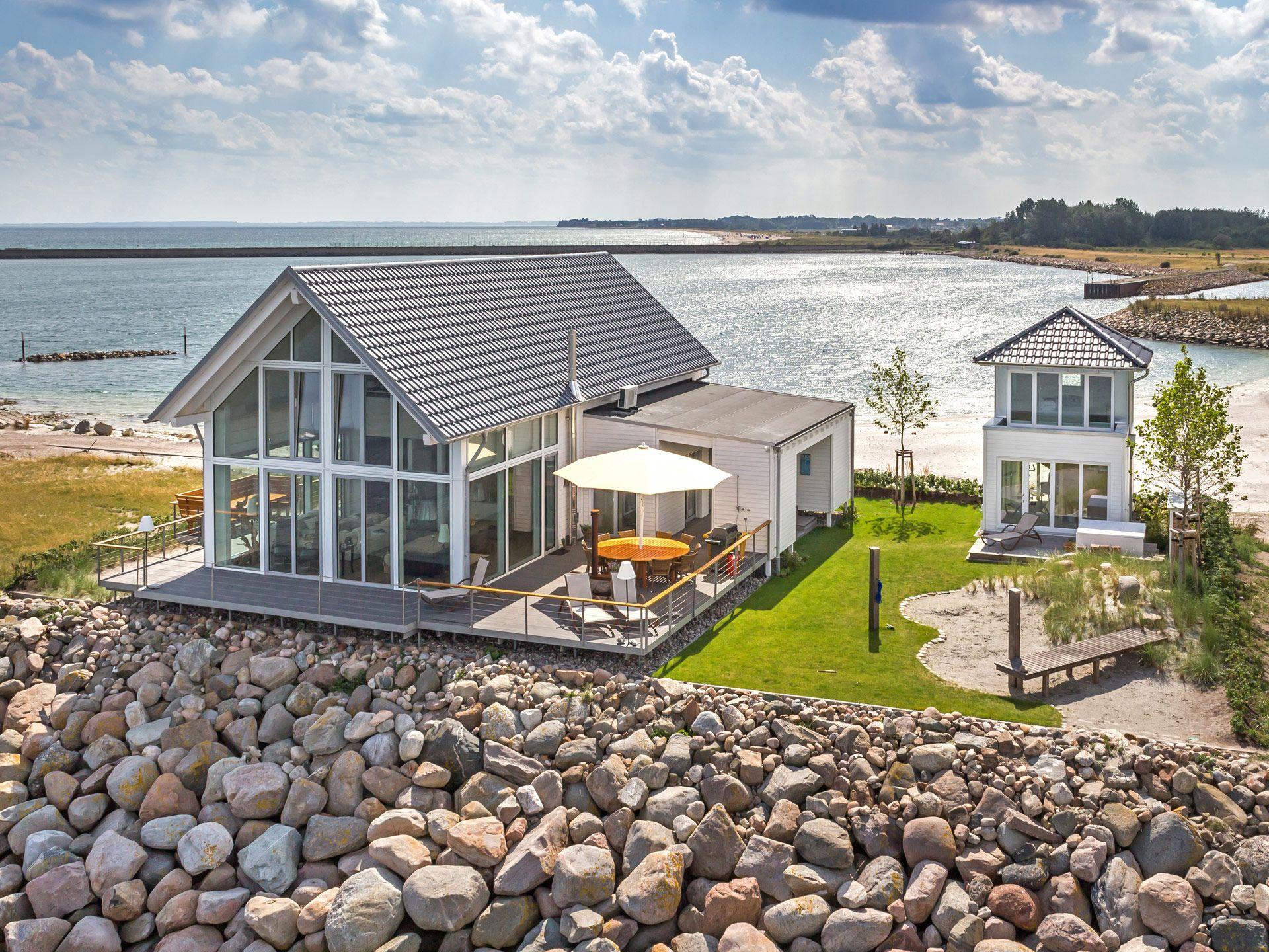 ^ Baufritz - Landhaus Mommsen - Ferienhaus am Meer. Ob beim ssen ...