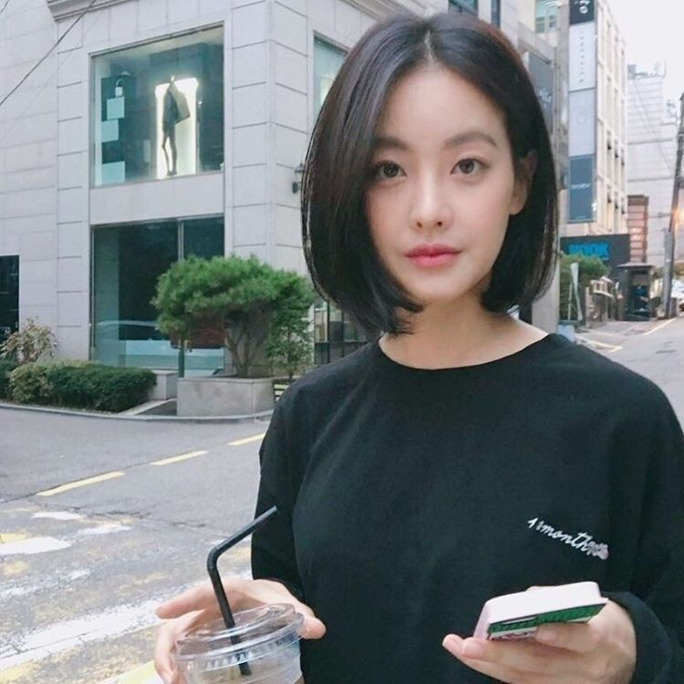 Pin By Jeon Jungkook On Ulzzang Girl In 2019 Short Hair Styles