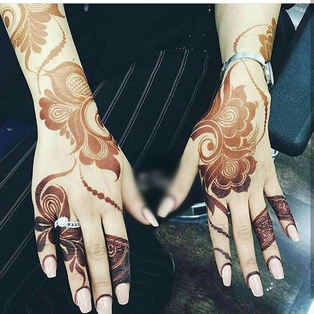 Henna Me Pretty Nuriyah O Martinez 37 Vind Ik Leuks 2 Reacties اروع نقوش الحناء اجمل الا Khafif Mehndi Design Mehndi Design Photos Modern Henna Designs