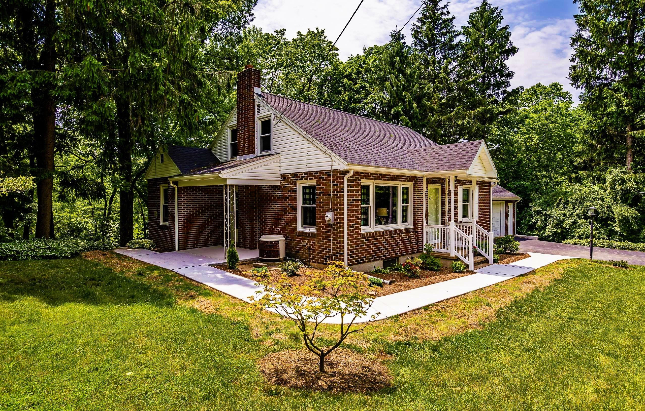 Status Sold Address 3226 State Hill Rd Reading Pa 19608 Community None City Boro Or Twp Lower Heidelberg Twp In 2020 Estate Homes House Styles Real Estate