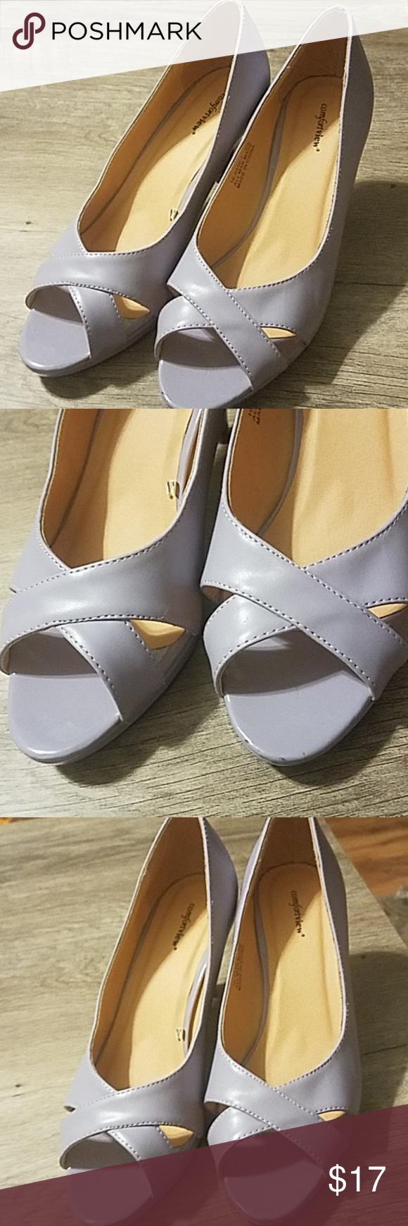 601b5d4e3 Women s Peep Toe Comfortview Heels Like new. Wide width comfortview Shoes  Heels