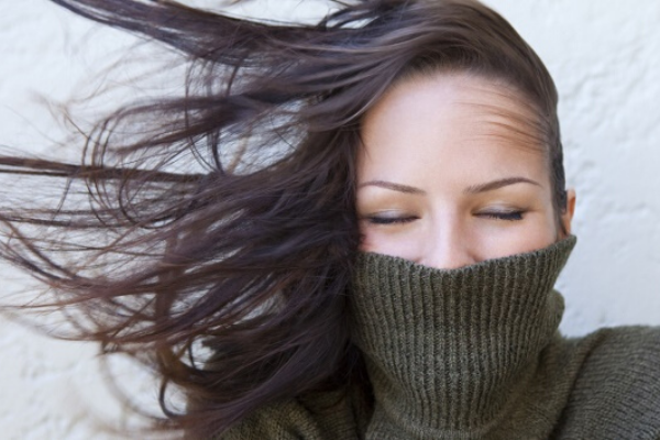 5 tips to take care of your hair in these winter winds
