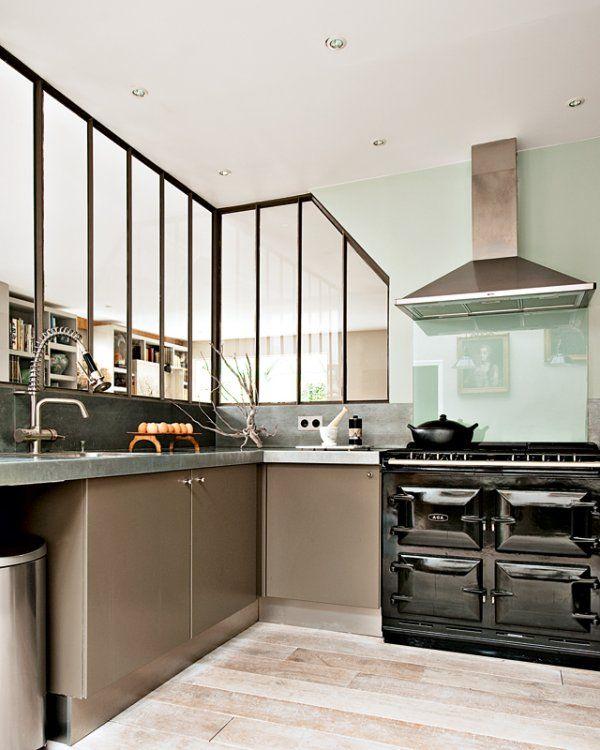 Une cuisine salle à manger pleine de charme Glass partition