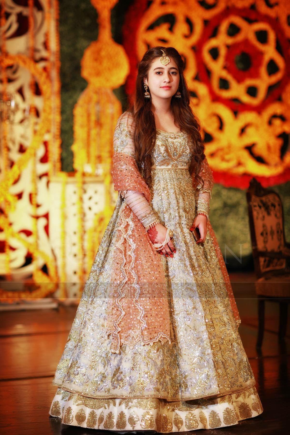 Pin By Iamgk On Wedding Clothes Pakistan Dress Fashion Designers Famous Pakistani Dresses