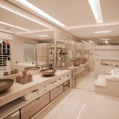 Projeto: Banheiros Moderno por Heloisa Titan Arquitetura