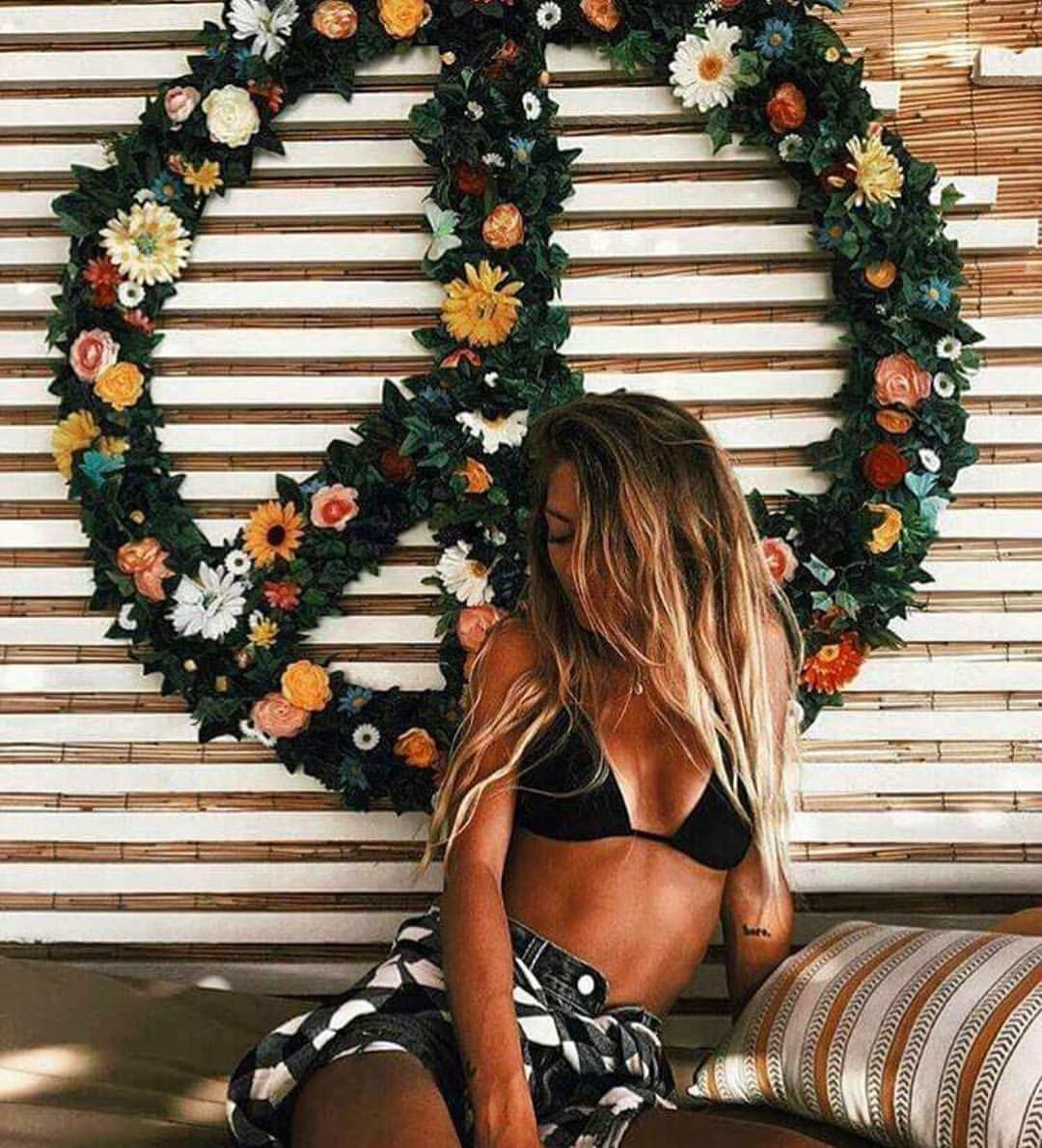 Pinterest: iamtaylorjess | Peace, love, tans, and summer ☮☼