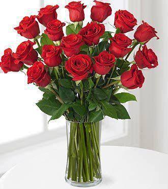 Te traemos este hermoso #ramo de #rosas #rojas para terminar de alegrar la #tarde #detalles que #enamoran ... #TodobodaVenezuela