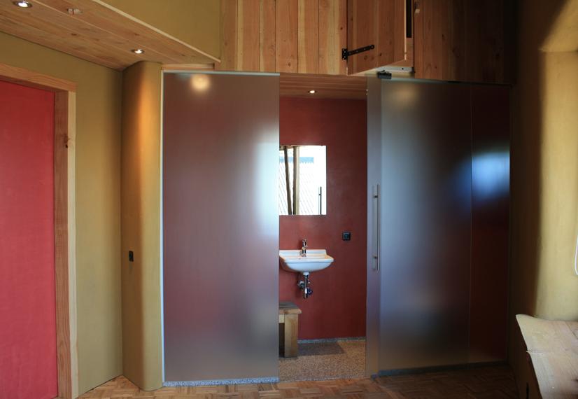 Tadelakt-badkamer-rood-biotel-ekoboerderij-arink-lievelde-11.png ...