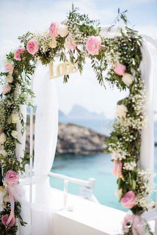arche mariage 35 belles id es d couvrir pour un mariage r v decoration mariage. Black Bedroom Furniture Sets. Home Design Ideas