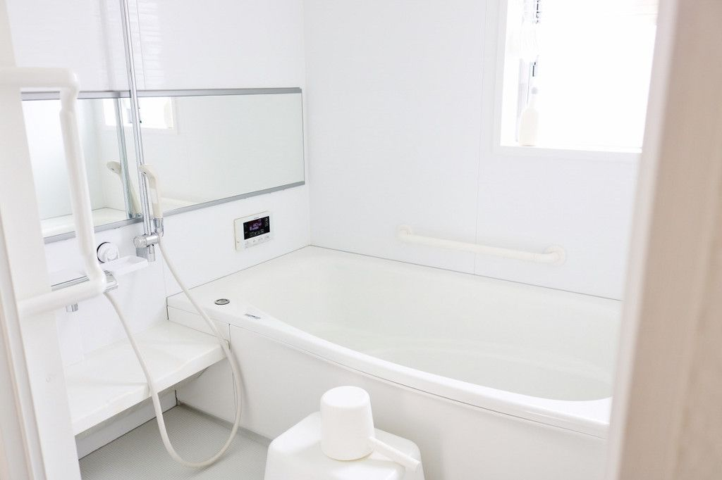 浴室鏡の手強い曇り 曇り止めアイテムでおさらばしましょう 大掃除 浴室 鏡 掃除