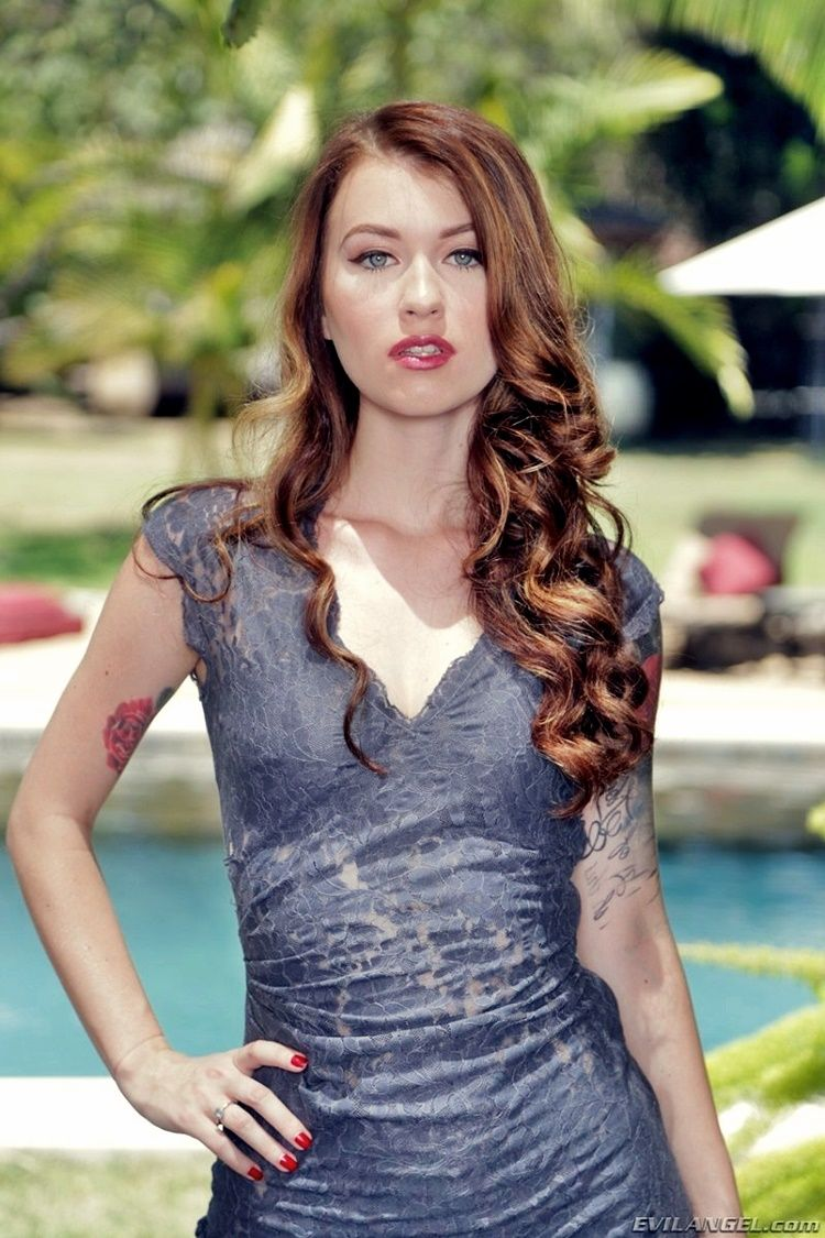 Anya Olsen Nude Photos 29