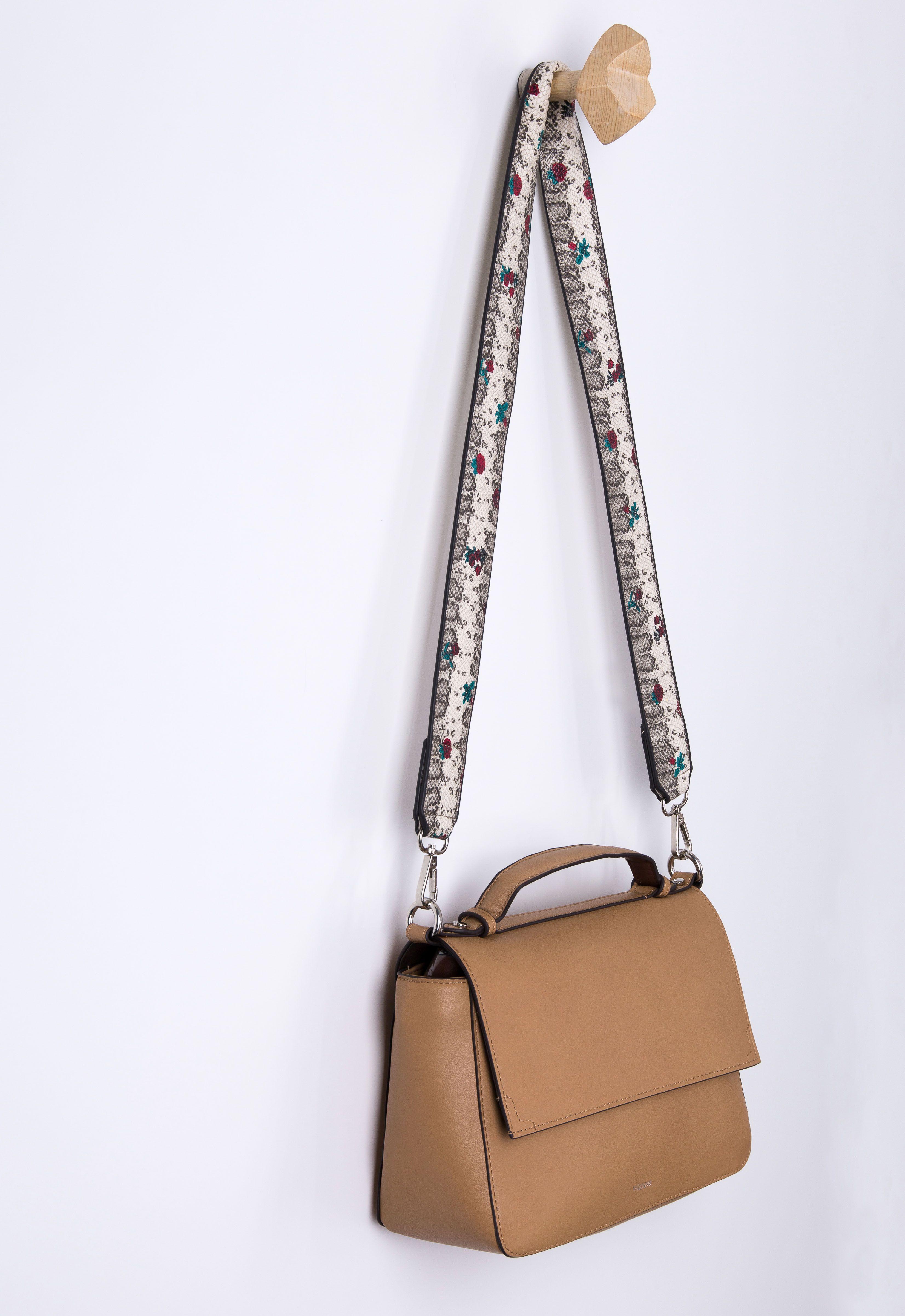 Transform your bag! 1 Strap, 2 Bags