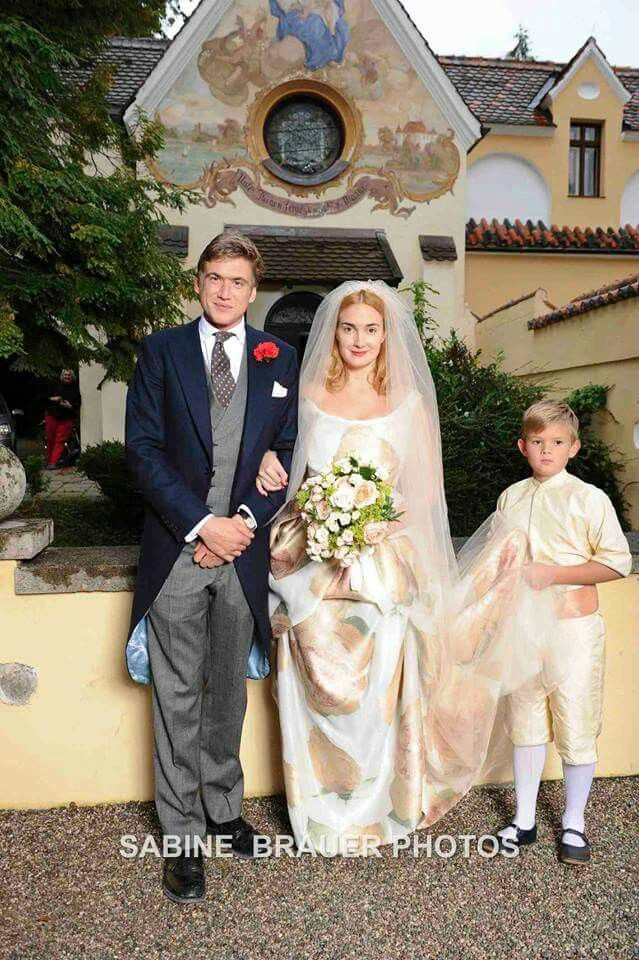 Wedding Of The Daughter Of Princess Gloria Von Thurn And Taxis Trouwen Foto Koning